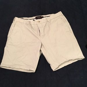 Men's Khaki Shorts